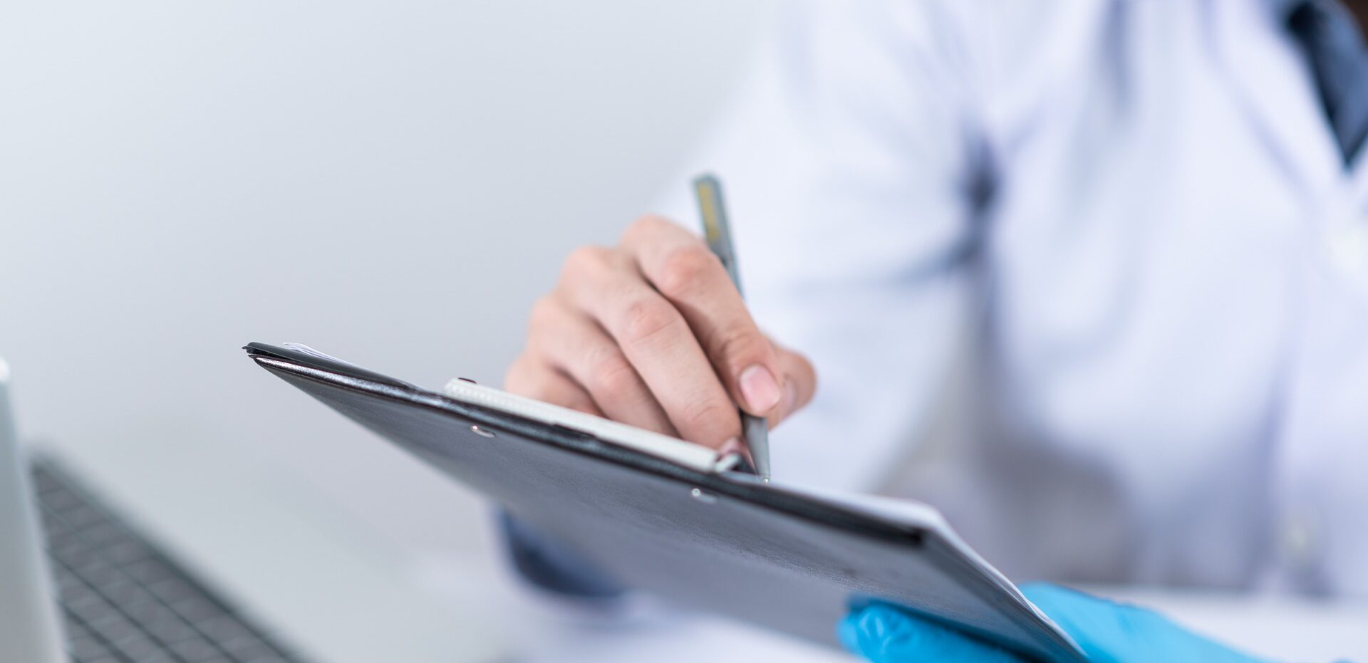 Clinical healthcare tender writing UK